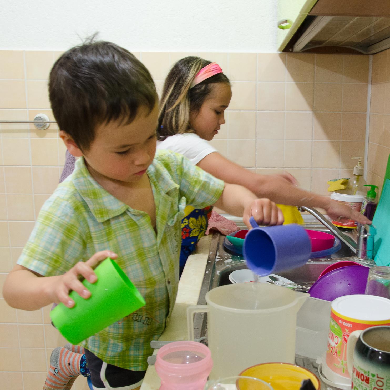 помощь по дому: как делегировать, сохраняя отношения?