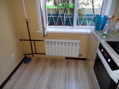 Радиатор кухни на более горячий стояк спальни.