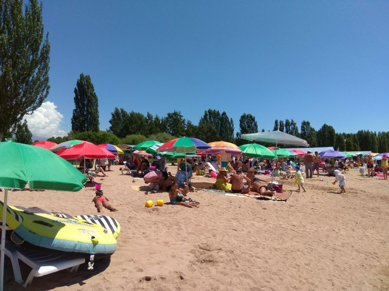 Лотос пляж