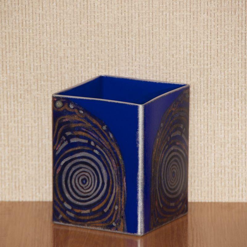 Синяя квадратная