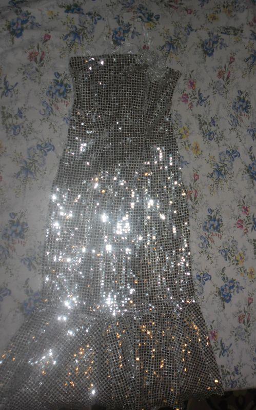 блестящее белое платье 38 42 размера