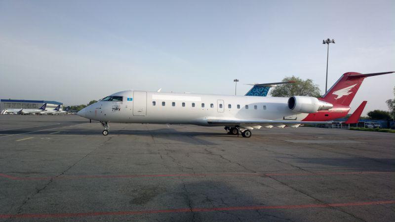 CRJ-100