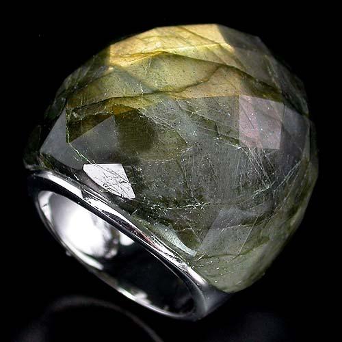 Серебряное кольцо из натурального лабрадорита, покрытое белым золотом