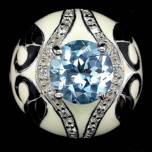 Очаровательное, привлекающее внимание серебряное кольцо из натуральной эмали с небесно голубым топазом с покрытием белым золотом