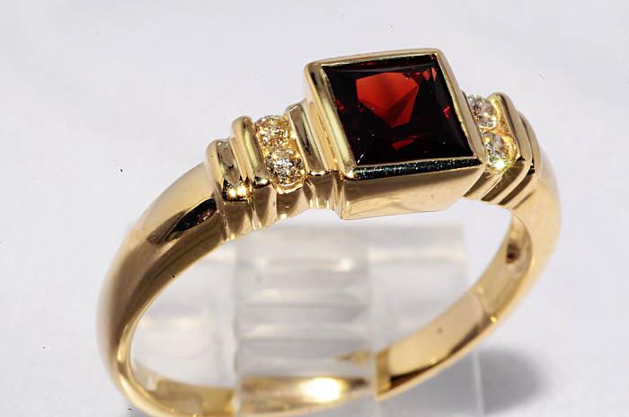 Кольцо гранат бриллианты 3