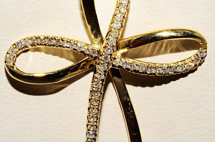 Подвеска крест овальный бриллианты 3