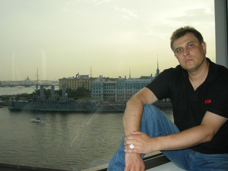 """Вид из окна гостиницы """"Ленинград"""""""