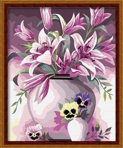 Лилии в вазе 10