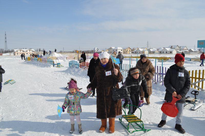 """Зимние спортивные игры для детей в коттеджном городке """"Жана Куат"""""""