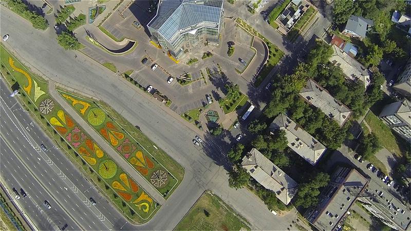 надирный снимок на цветник возле Нурлы-Тау