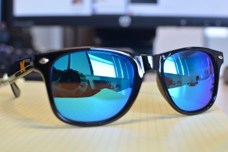 Стильные солнцезащитные очки Made in USA
