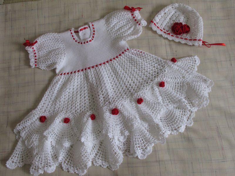Платье вязаное крючком для девочки
