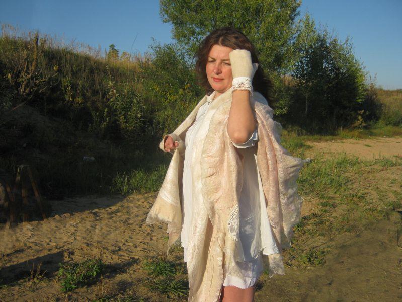 """Шаль """"Северная мантилья"""" кашемир,альпака,натуральный шёлк,спецволокна для валяния,речной жемчуг"""