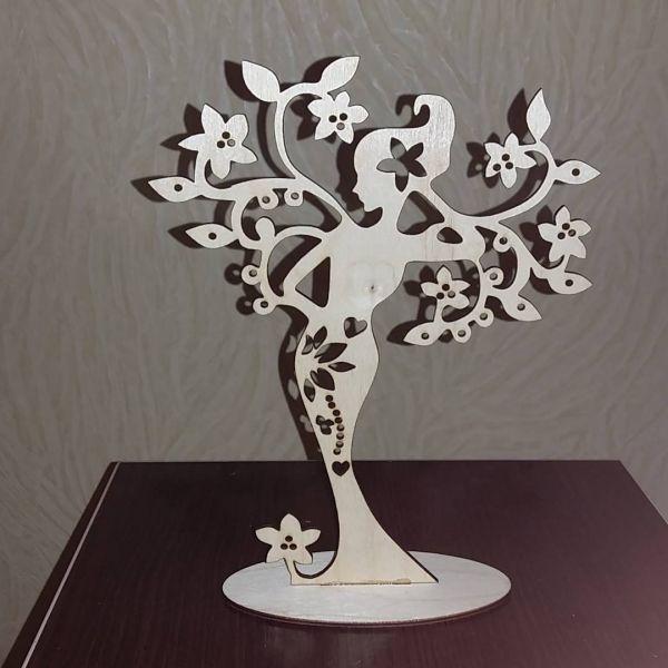 Девушка-весна - подставка для украшений 19×24 см 800 тг