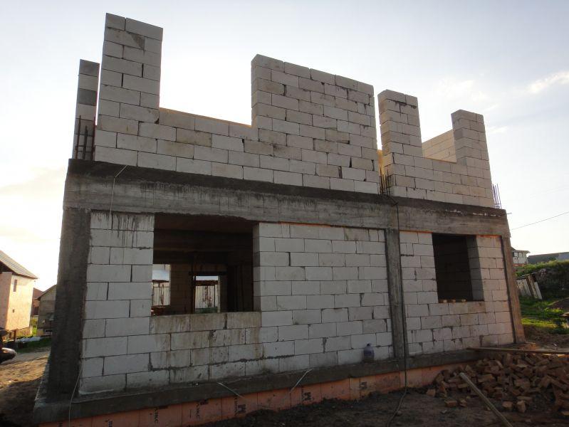 Стена восток