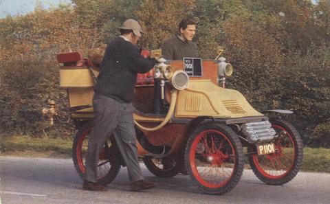 5794 1901 International Charette 6 hp Tonneau.jpg