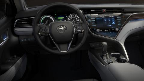 CR-Cars-Inline-2018-Toyota-Camry-int-01-17.jpg
