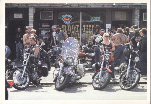 Harley-Davidson in Main Street, Daytona, Florida.jpg