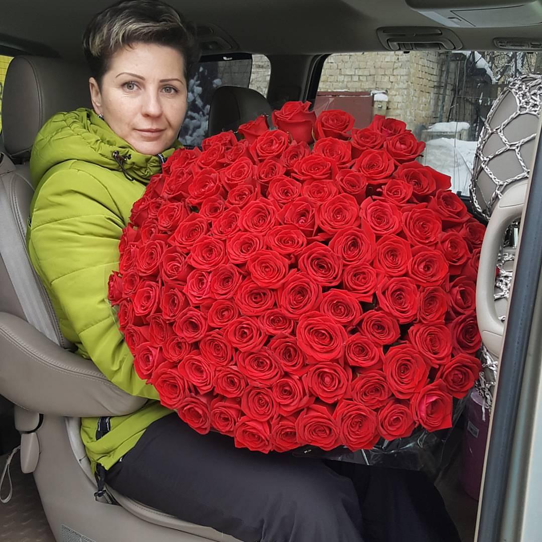 картинка сто рублей и одна роза съемках принимают активное