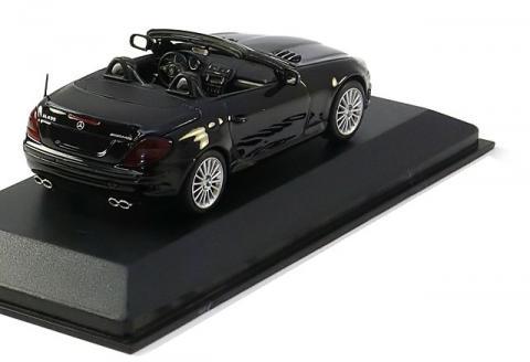 Mercedes-SLK55-AMG-Minichamps-400-033171-2.jpg