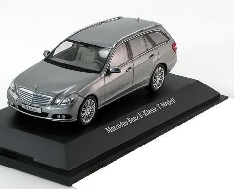 T-Modell-Elegance-Mercedes-E-Klasse-S212-Schuco-B6-696-2444-0.jpg