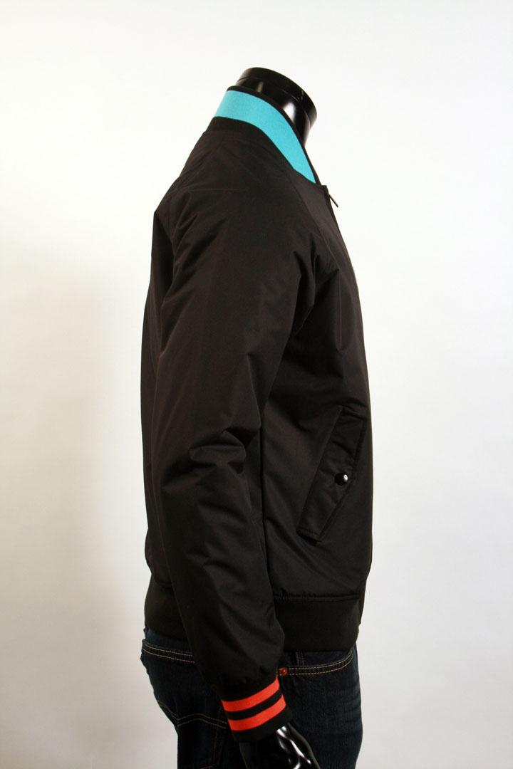 44f49f596155 Мужская куртка - Lacoste LIVE! - Продам - Все Вместе