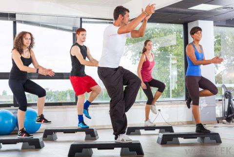 aerobics-class-in-a-gym.jpg