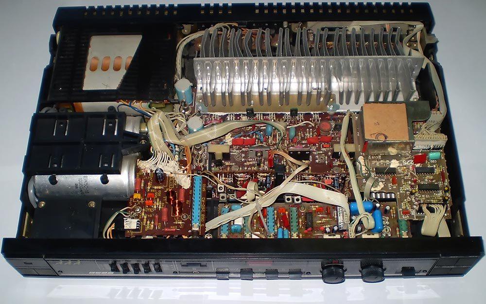 """Смотрите реальные Фотографии стереофонического усилителя Вега 50У-122С  """" ниже. диапазон частот - 20...25000."""