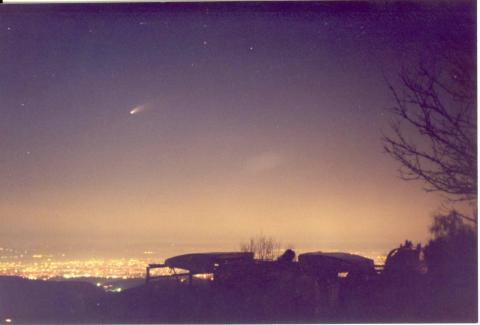 комета Х- Б 22 марта 1997.jpg