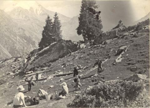 экспедиция на Сухом Хребте 1950г..jpg