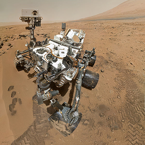 2 PIA16239_High-Resolution_Self-Portrait_by_Curiosity_Rover_Arm_Camera_square.png