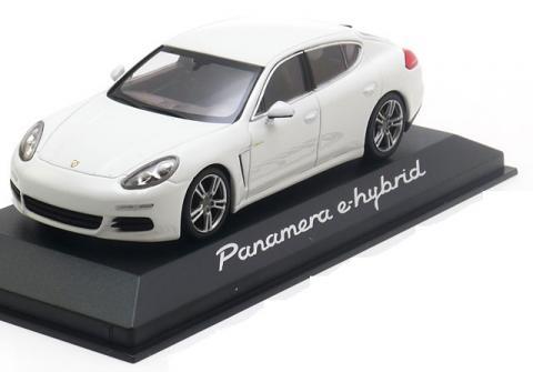 e-Hybrid-Porsche-Panamera-Minichamps-WAP-020-720-0E-0.jpg