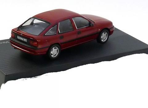 Opel-Vectra-A-GL-Altaya-Opel-Collection-OPEL-23-2.jpg
