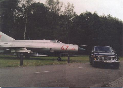Tatra 603-3 + MIG 21.jpg