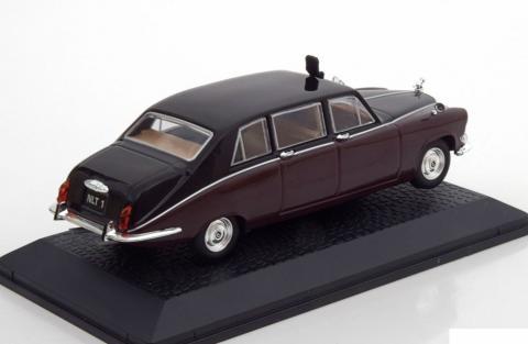 Queen-Mum-Elisabeth-Bowes-Lyon-Daimler-DS420-Limousine-Norev-70972-2.jpg