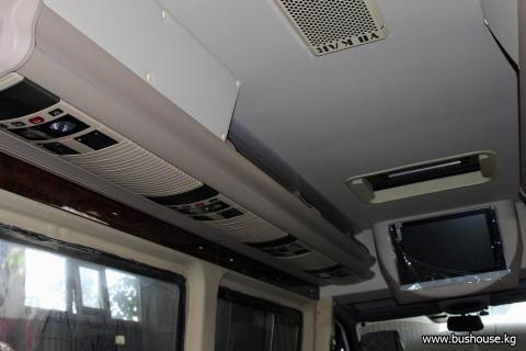 Потолок в микроавтобус с бежевыми шахтами_02.JPG