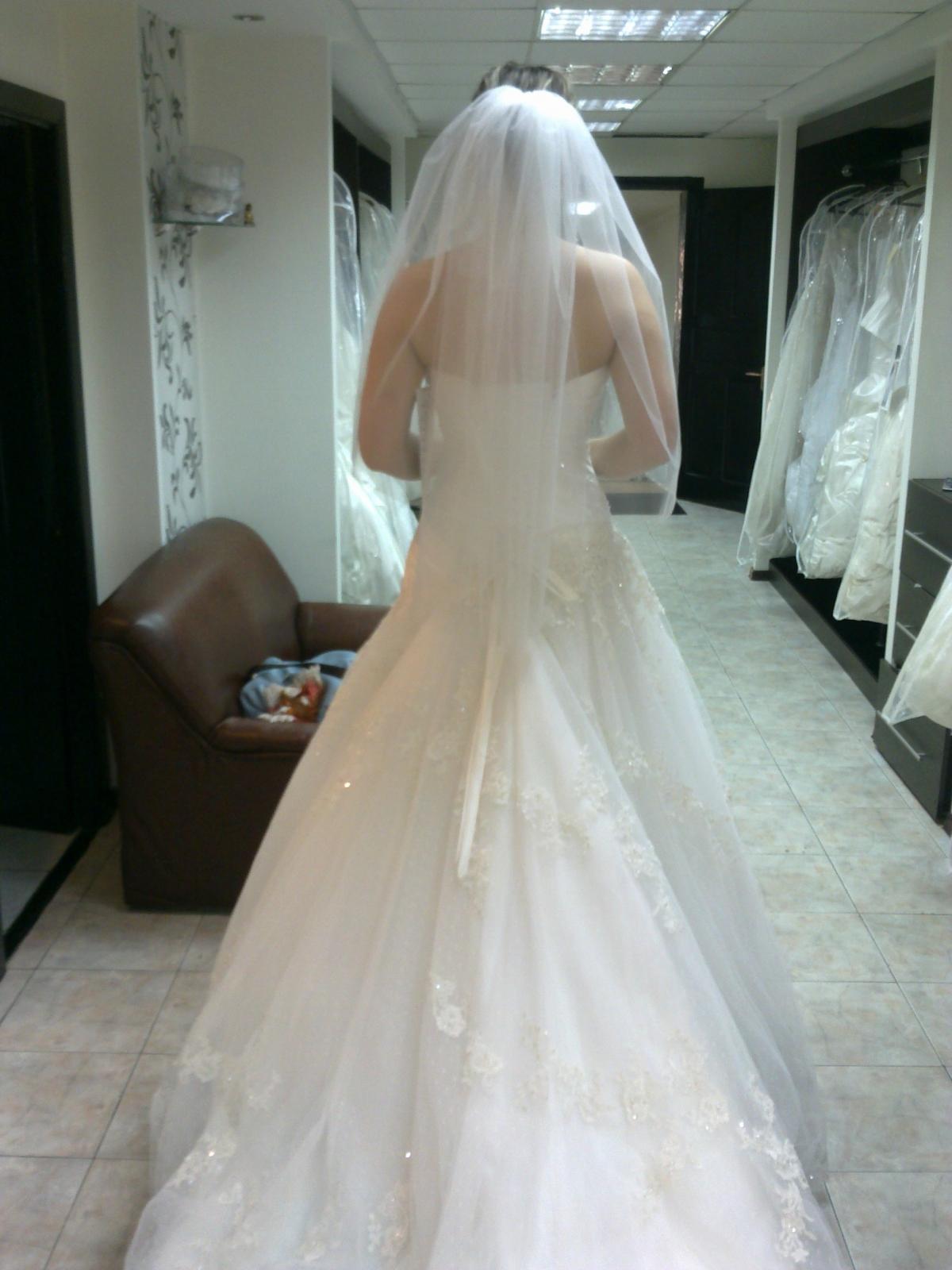 Комментарий: Продам свадебное платье Maggie Sottero модель Primavera оригинал, на 42-46 р-р на шнуровке, покупала у офиц. представителя в Астане свадебный
