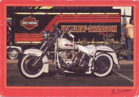 00183 001 Heritage Softail Classic.jpg