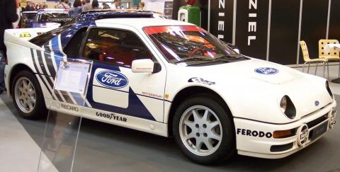 Ford_RS200_white_vr_TCE.jpg